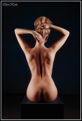 Геометрия девушка модель красотка настроение тело изгиб