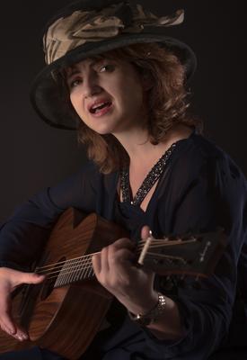 Портрет с гитарой Портрет гитара студия свет