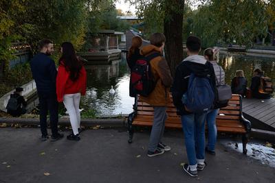 У Малого Голицынского пруда Россия Москва парк Горького