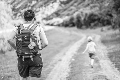 Бежать бег портрет сын мама жена