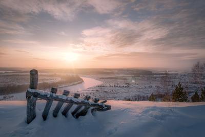 Рассвет над Сылвой рассвет солнце январь мороз забор снег гора мыщелка пейзаж вид пермь