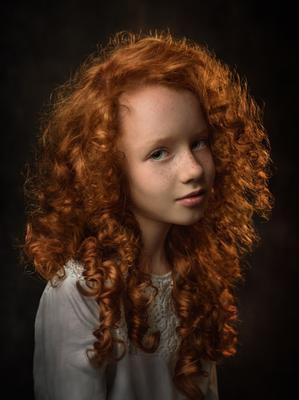Екатерина портрет девочки рыжули рыженькая конопушки милая девочка студийный