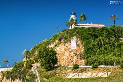 Маяк в Калейе. Испания Калейя маяк солнце пляж песок скала