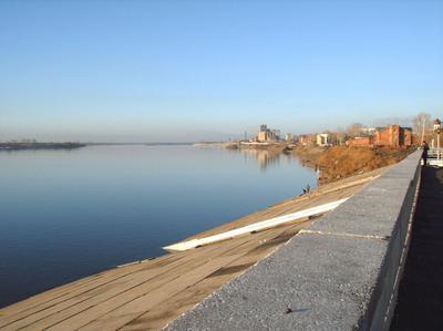 После зимней спячки томск томь река речвокзал пристань набережная весна апрель
