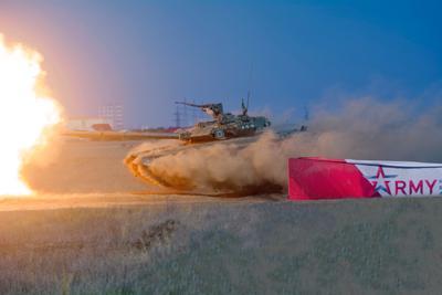 Летающий танк - АРМИЯ 2020 армия армия-2020 полигон волгоград т-90 танк летающий прыжок танка