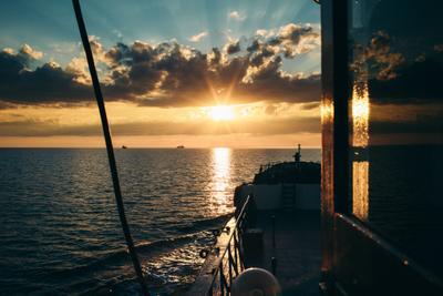 Белое море Море Белое море Корабли рассвет солнце