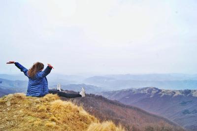 Вершина Карпаты небо горизонт