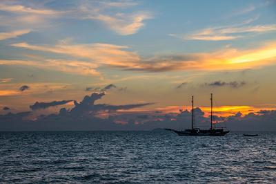 Lonely Boat яхта лодка закат море вода небо таиланд