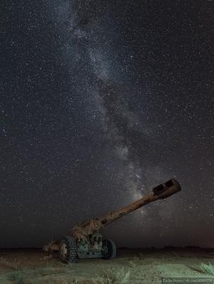 Ночь на фронте звезды война сирия ночь млечный путь орудие