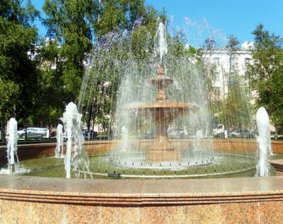 Радуга в фонтане Фонтан радуга лето