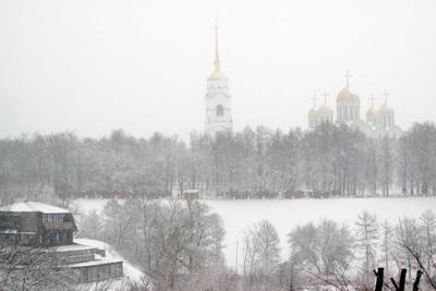 Снег идёт зима собор деревья снег