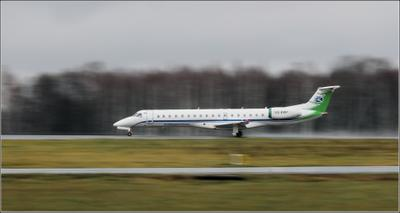 Спринтер Embraer ERJ-145LI Комиавиатранс авиация разбег