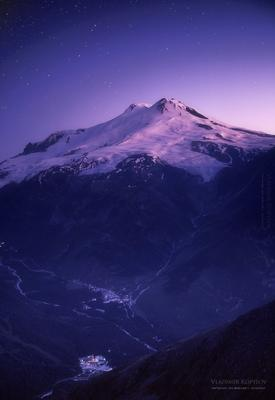 Цвет Космоса. Вид на Эльбрус. Кавказ Эльбрус