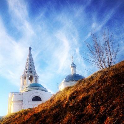 Храм на холме серпухов храм церковь небо утро весна воскресенье