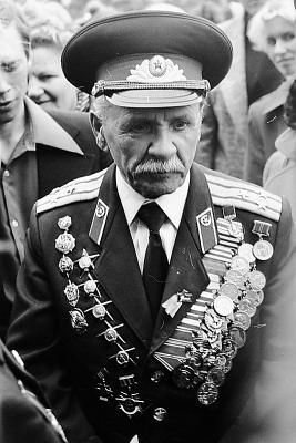 Славный Солдат России! День защитника Отечества военные портрет пленка