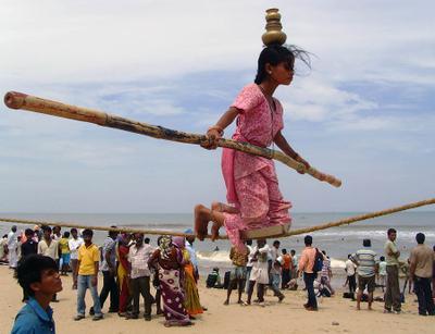 Кто в армии служил, тот в цирке не смеётся... Индия Ченнаи Мадрас бродячий цирк
