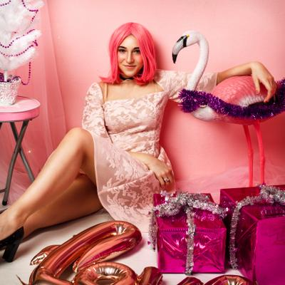 fashion new year новый год праздники розовый девушка парик подарки fashion стиль