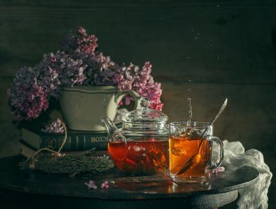 Вечерний чай) чай натюрморт сирень чайник стол вечер