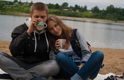 Какао на берегу реки любовь пара