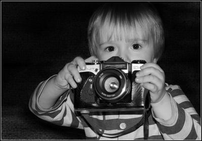 Внииимание!  ребенок фотоаппарат