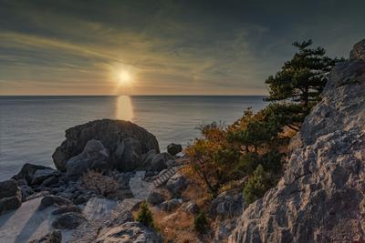 Осенний вечер в Ласпи море вечер закат облака бухта пейзаж крым ласпи