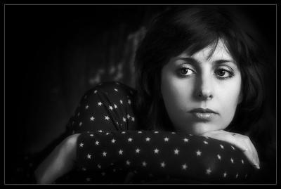 Портрет невесёлой девушки девушка портрет