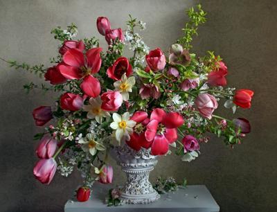 Дивный подарок весны Натюрморт тюльпаны весна букет цветов
