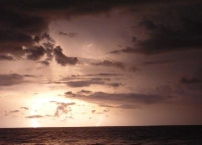 Феерия море, молния, гроза