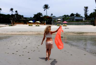Летящей походкой.... таиланд самуи путешествие море океан девушка