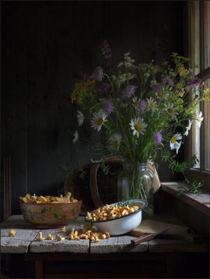 С грибами (3) лето дача грибы цветы букет стол окно