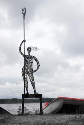 провожая лето (2) озеро лето осень лодка скульптура девушка с веслом Муром