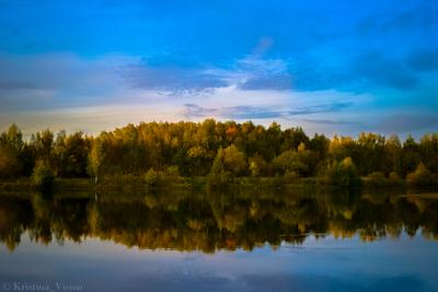 Озеро Восточное озеро лес осень прекрасный вид