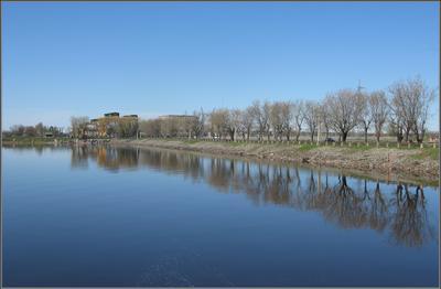 Ранняя весна в городе Московское море плотина Дубна