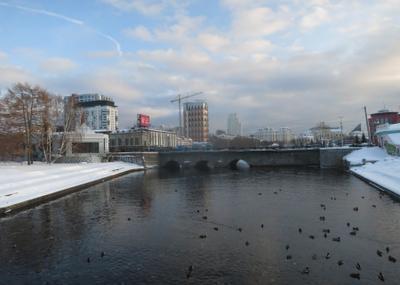Почти весна Екатеринбург река Исеть февраль