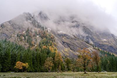 Там, где осень с зимой встречается Карвендель осень горы альпы снег облака