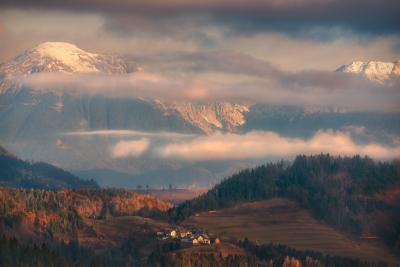 Под сенью Юлийских Альп горы утро облака