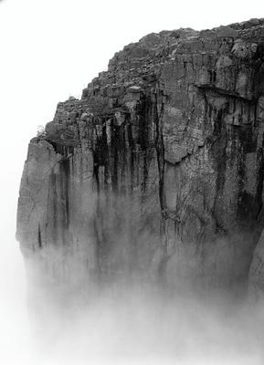 Парящая скала Скала