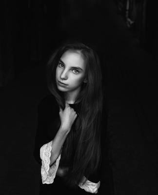 Татьяна портрет девушка черно-белое чб фото улица арт-