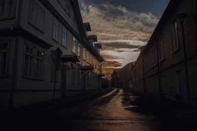 Хаапсалу, Эстония эстония хаапсалу пустынность небо улица безлюдность дорога путешествие закат
