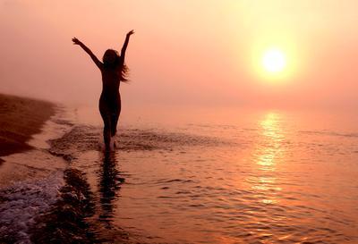 Здравствуй, Лето!!! Крым Чёрное море восход солнце лето утро пляж нагота