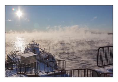 Первый мороз на Оби река мороз вода солнце набережная туман