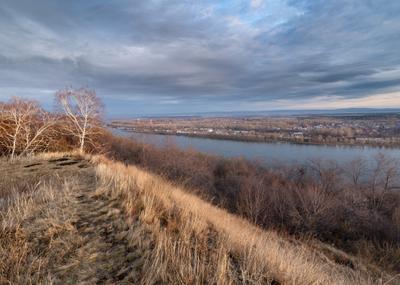 Холодная весна. Река берег деревья небо