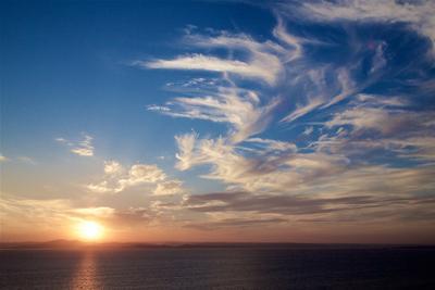 Взмах облаков Владивосток Амурский залив Август Жаркий вечер Облака