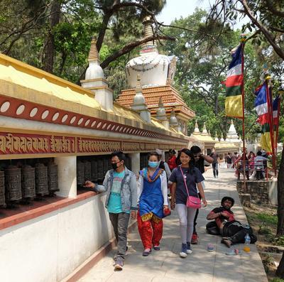 Радость  и печаль Непал Катманду непалки-непальцы Сваямбунатх