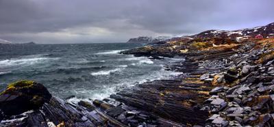 Остров Сёрёйя. Норвегия. Апрельский бриз. Север Море Скалы Небо Ветер