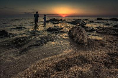 Во время заката море вечер закат облака бухта пейзаж