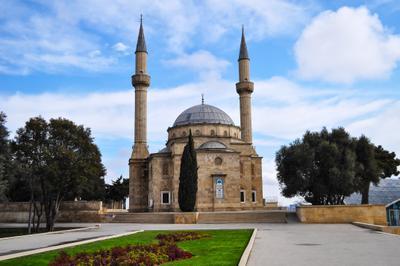 Баку Баку
