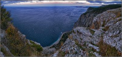Над морем Крым Осень море скалы панорама