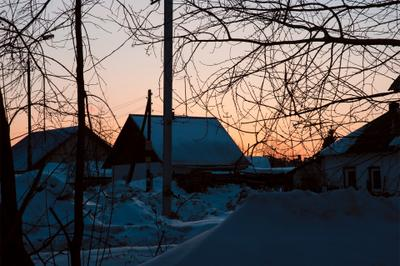 Вечер на дворе Вечер закат двор поселок зима