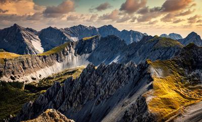 массив горы Альпы